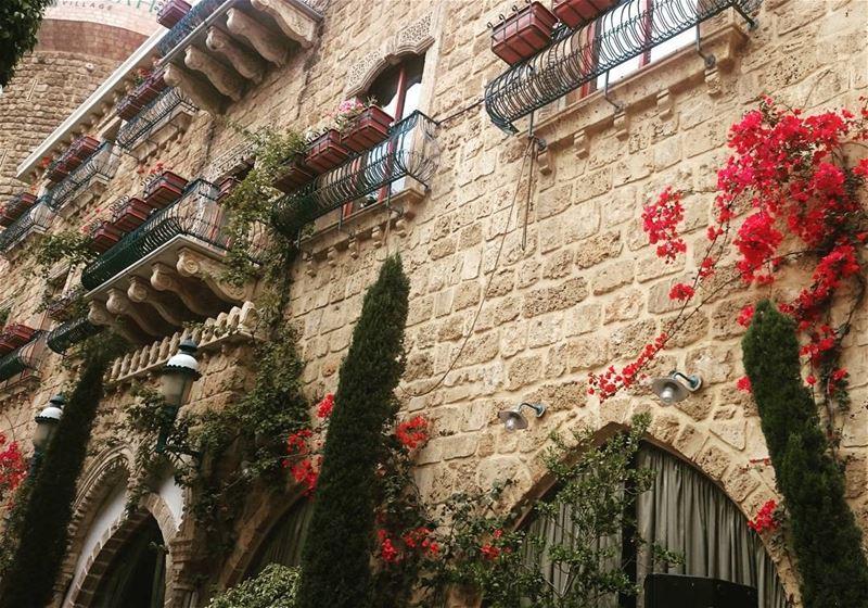 insta_lebanon livelovelebanon beiruting beirutcity alsaharestaurant ...