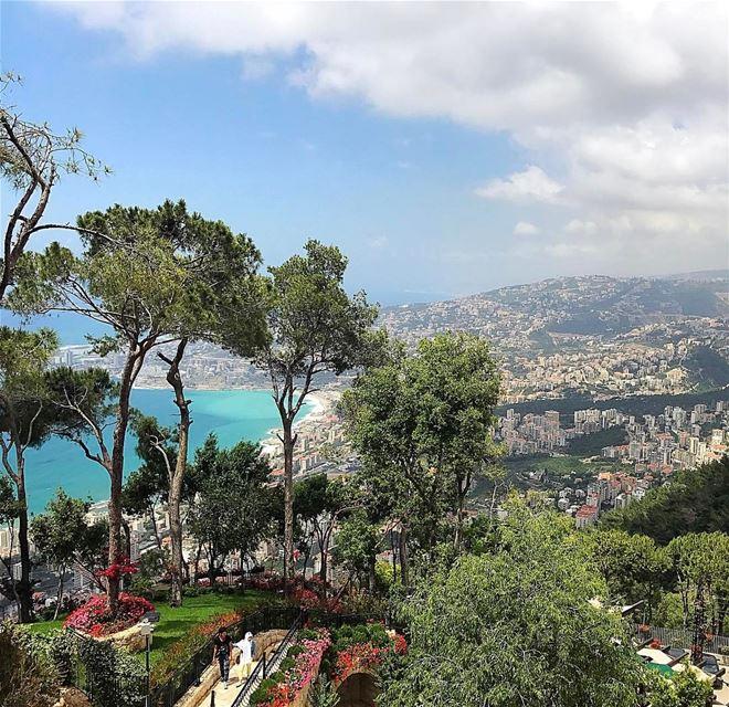 Good morning 🌸have a beautiful week 💕 whatsuplebanon insta_lebanon ... (Harîssa, Mont-Liban, Lebanon)