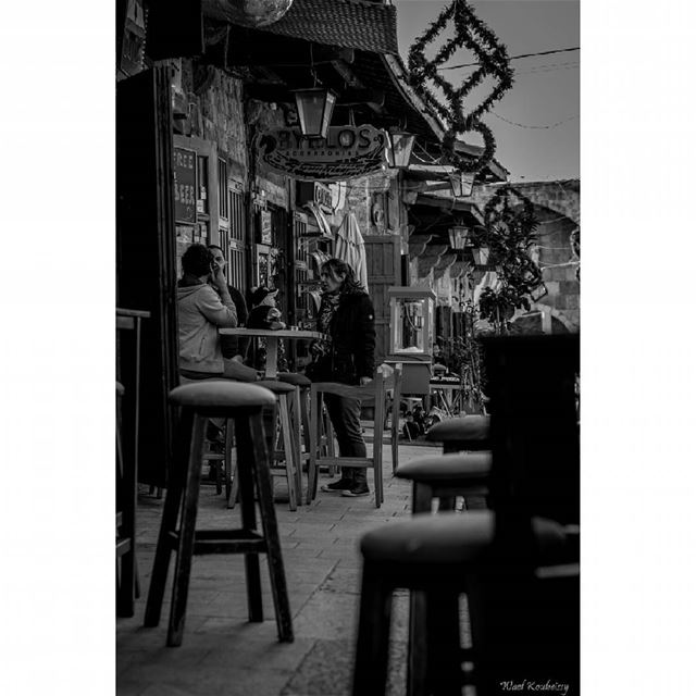 Happy hour bnw  pub  people  byblos  market  blackandwhite  drinking ...