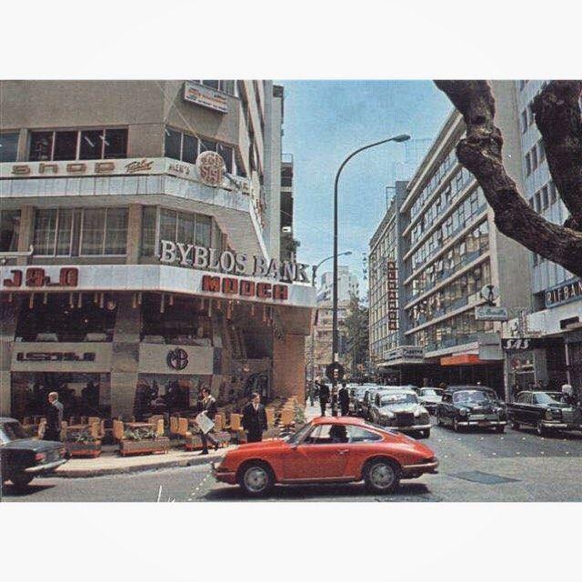لبنان بيروت شارع الحمرا عام ١٩٧٤ ،