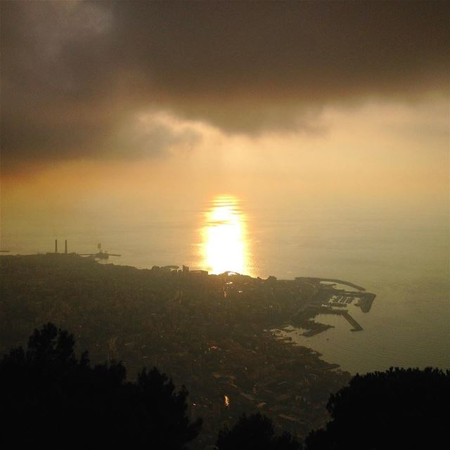 I wish Mondays started with sunsets. beirut  lebanon  livelovebeirut ... (Harîssa, Mont-Liban, Lebanon)