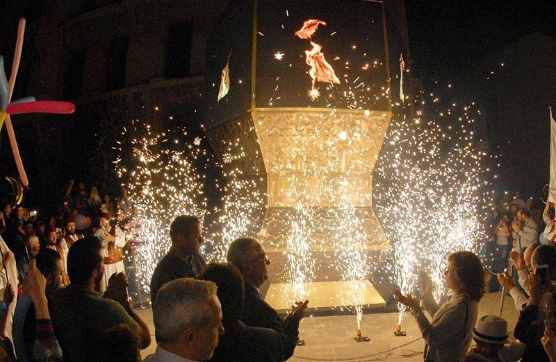"""إضاءة فانوس رمضان في أسواق بيروت!أقامت جمعية """"هدير"""" وموقع """"فانوسي""""، بر"""