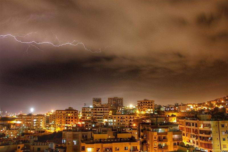 If the thunder don't get you then the lightning will !.... lightning... (Baabda)