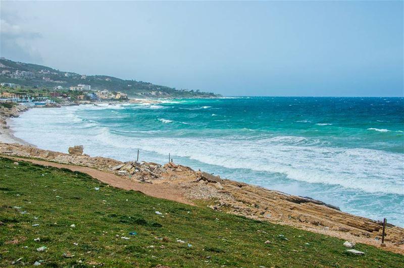 🌊🌊..... beach oceon waves storm stormyweather weather blue... (Kfar Abida)