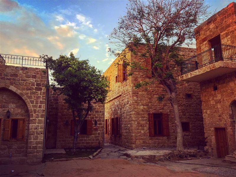 في_بلادي في ازقة البترون بعض الحنين lebnan lebanon liban libanais ... (Al Mina Batroun)
