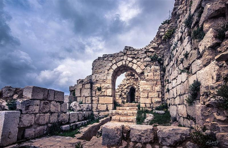 south  lebanon  nature  castle  snapshot  photo  photos  photoshoot  pic ... (Beaufort Castle, Lebanon)