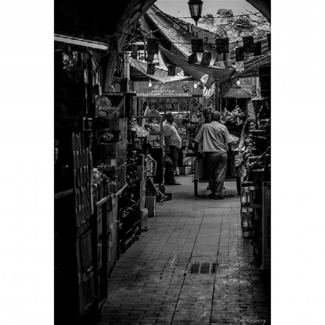 bnw  busy  market  day  blackandwhite  alley  street  photography ...
