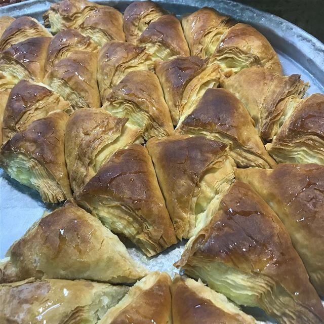 🇱🇧🇱🇧🇱🇧🇱🇧🇱🇧🇱🇧😻 lebanese lebanon sweets traditional ... (Nabatîyé)