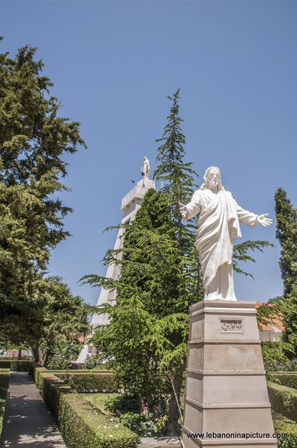 Miziara - Jesus Welcoming Everybody With Open Hands (Saint Mary Statue in the Background)