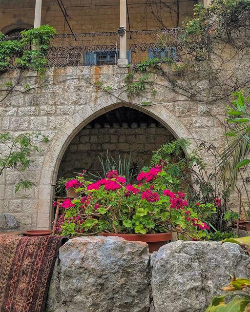 ➡️ Hippodrome de Beirut in few hours🕔• lebanonhouses livelovelebanon ... (Zouk Mosbeh)