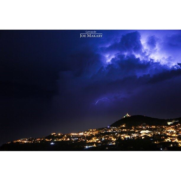 ehden lighting thunderstorms light sky beautifullebanon ...