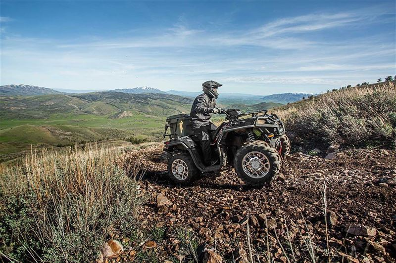 2017 SPORTSMAN XP® 1000 :NEW Rider Active Design for the Ultimate Sport...