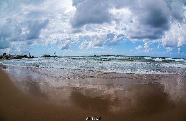 رياحُ البحرِ عاتيةٌ.. waterscape seascape nikon d810 picoftheday ... (Saïda, Al Janub, Lebanon)