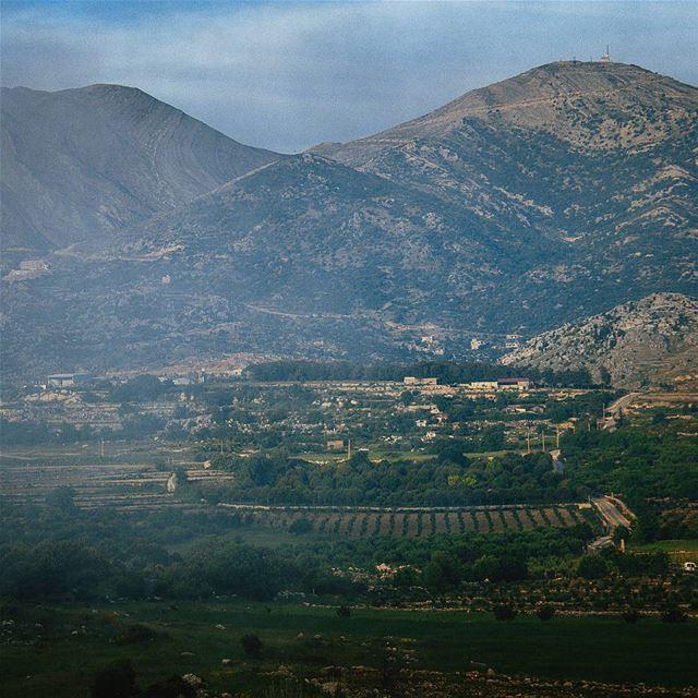 ᴛʜᴀᴛ ғᴏɢɢʏ ᴠɪᴇᴡ ☁☁ (Kfar Hoûné, Al Janub, Lebanon)