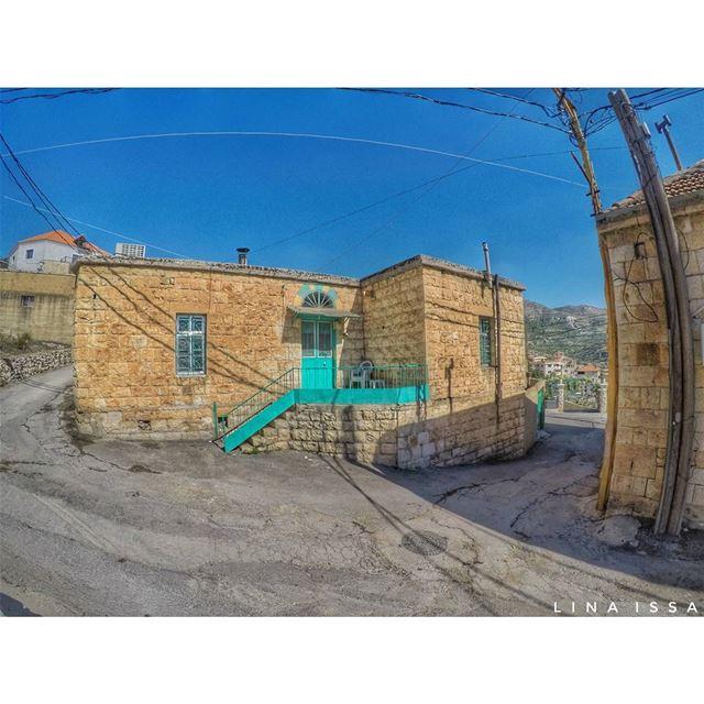 بيت جدو لأبي أبو قاسم قاسم الله يرحمه (Baaloûl, Béqaa, Lebanon)