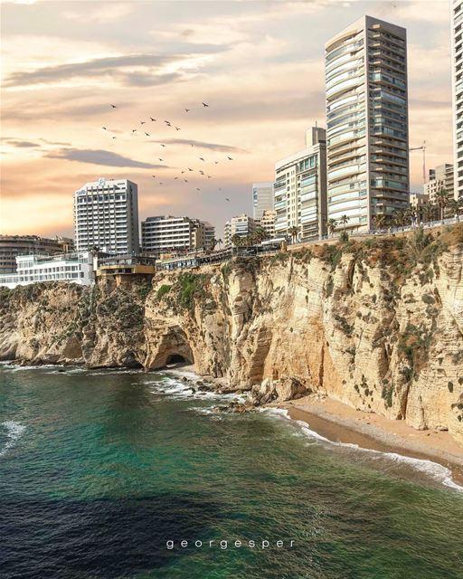 Raouché's Al Dalia, Beirut Lebanon 🇱🇧..... proudlylebanese ... (Beirut, Lebanon)