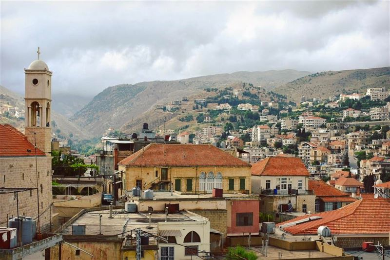 Bright mornings ☀️🌼🏡••••••••••••••••••••••••• prolebanon ... (Zahlé, Lebanon)