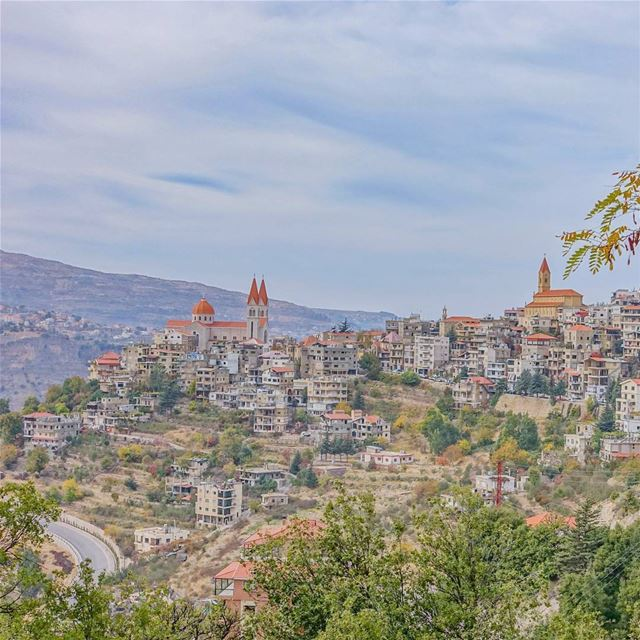 Fairytale Village, hometown of Khalil Gibran throwback lebanon ... (Bcharreh, Liban-Nord, Lebanon)