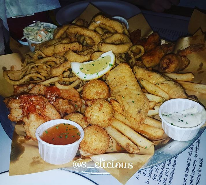 East Coast Platter🦀🦐 lebanoninapicture uae lebanon🇱🇧 liban ... (Joe's Crab Shack UAE)