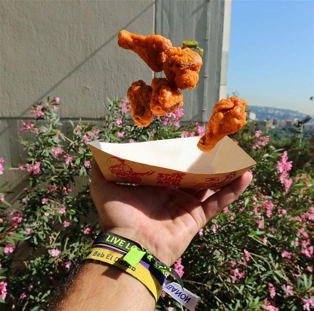 The flying wings !!! 🍗• foodie foodporn foodstyle foodhunter ... (Esib)