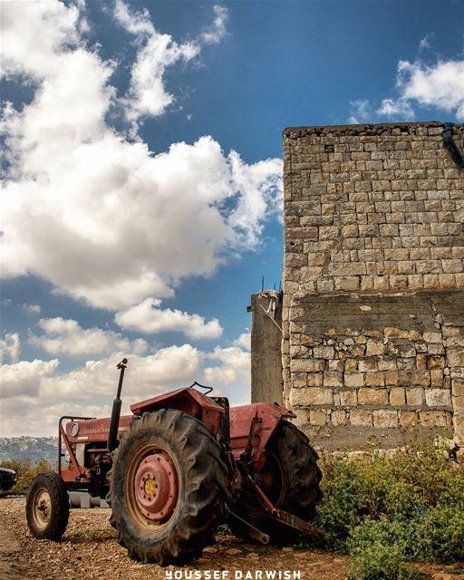 lebanon summer southlebanon trucktor sky wide photography ... (Deïr Siriân, Al Janub, Lebanon)