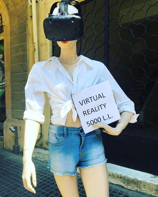 Kaak, samak, batata, VR 🥐🐟🥔😎 onlyinlebanon livelovelebanon ... (Mar Mikhael Village)