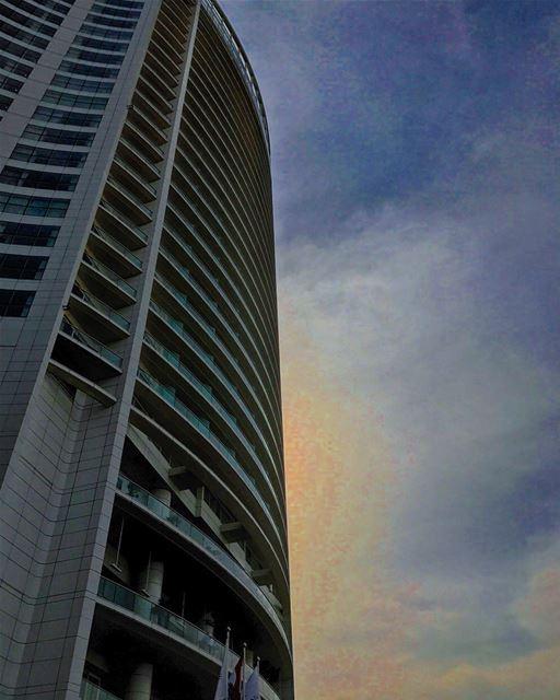 A 5⭐️ sunset 🌆• lebanonhouses livelovelebanon livelovebeirut ... (Four Seasons Hotel Beirut)