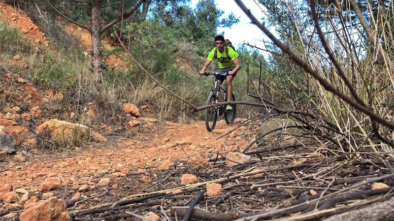 Turn it off 🎮 Ride your Bike ! extremelebanon ... (Anatir Zbayde)