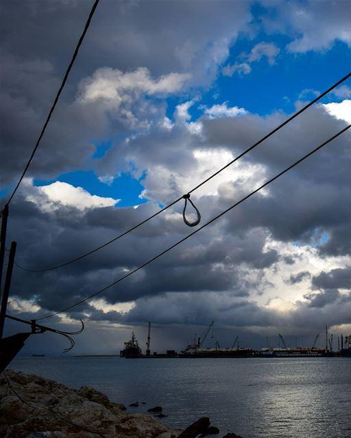 Hangin' ... (Al Mina', Liban-Nord, Lebanon)