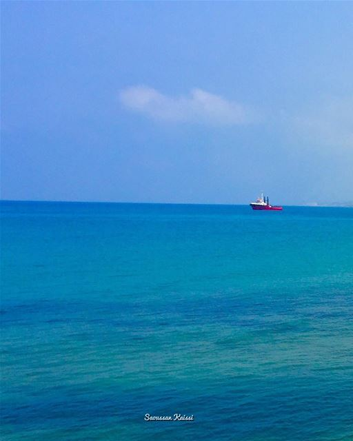 sea blue boat saida ...