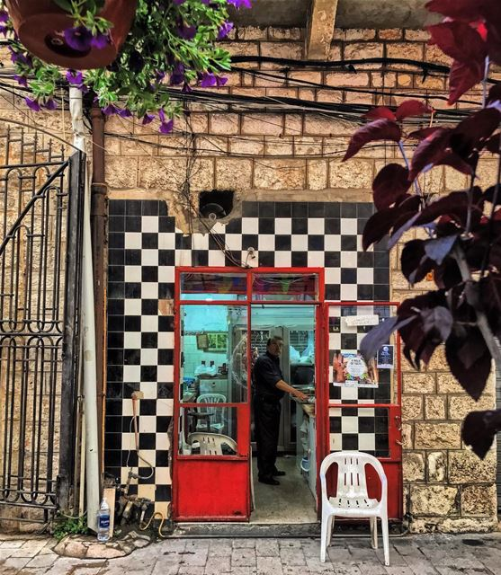 A butcher shop where the time has stopped• lebanonhouses ... (Joünié)