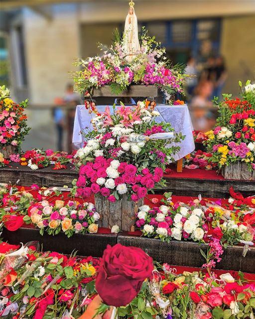 💐• beiruting beirut lebanon beirutcity downtown ptk_lebanon ... (Notre Dame De Loueizeh)