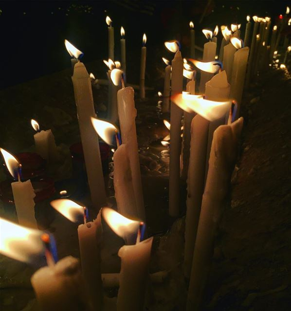 pray candles instame tags4likes picoftheday photograghy faith virgin... (Harîssa, Mont-Liban, Lebanon)