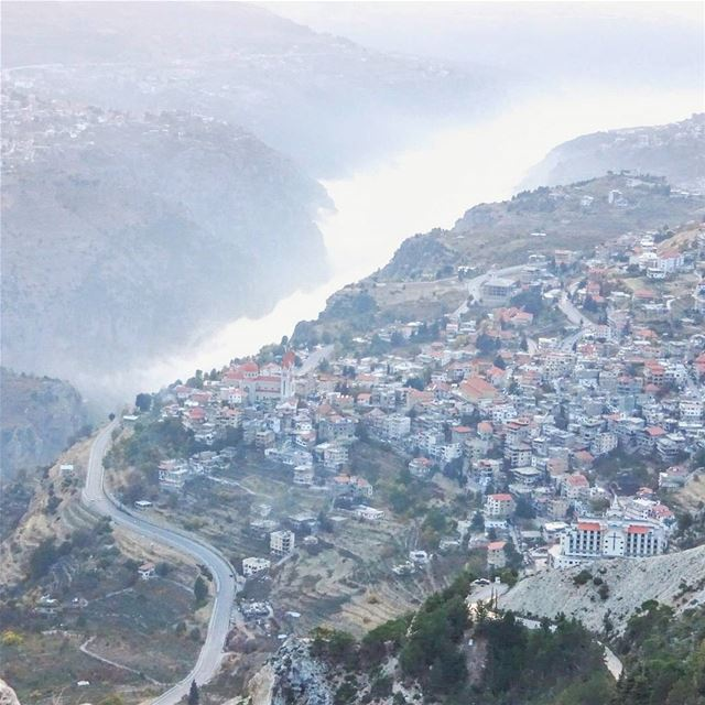 Bcharre at an altitude of 1500 metres is often above cloud level. Here... (Bcharreh, Liban-Nord, Lebanon)