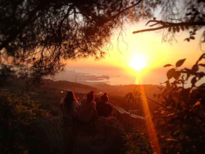 Just a lebanese sunset 🌅🌇 sunset sun beirut lebanon livelovebeirut ... (Roumieh)