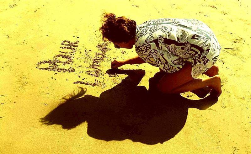 Pour l'amour de Dieu tais toi...by @liza_salem summervibes ...