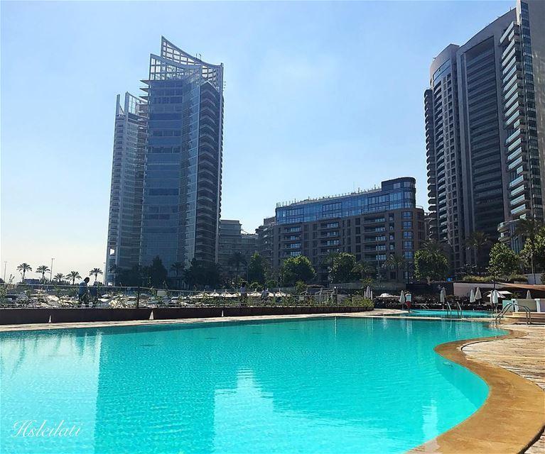 Lesh fi ahla min Lebnen?❤️🇱🇧 insta_lebanon whatsuplebanon ig_lebanon... (Saint-George Hotel,Yacht Club & Marina)