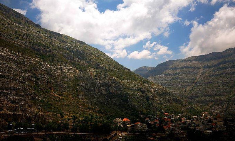 Moutains love ❤❤❤ (Akoura, Mont-Liban, Lebanon)