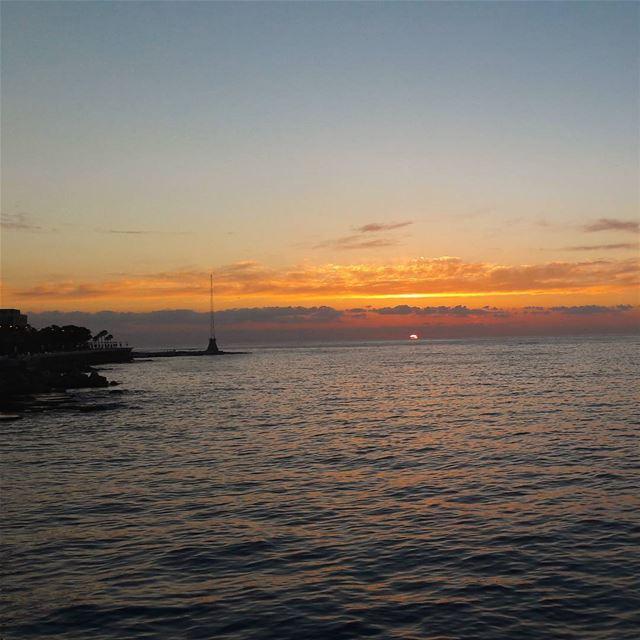 سر الكون . beirut lebanon livelovebeirut livelovelebanon sunset ... (Beirut, Lebanon)