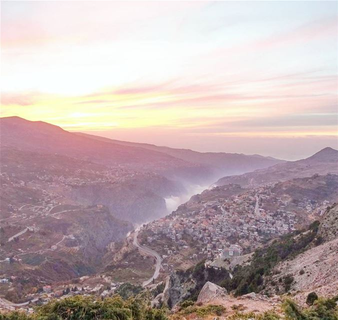 Back down from mount Lebanon's summit just in time to catch the sunset... (Bcharreh, Liban-Nord, Lebanon)