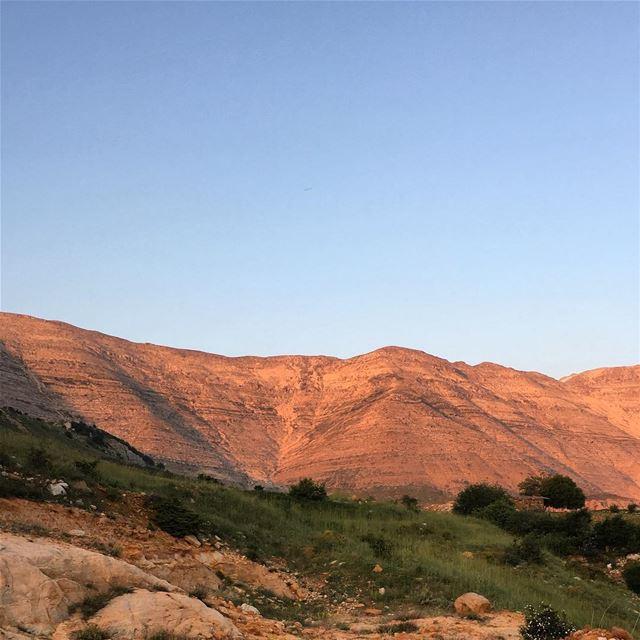 Magnificent Mount Sannine at Sunset sannine mountsannine kesrouan ... (Sannin, Mont-Liban, Lebanon)