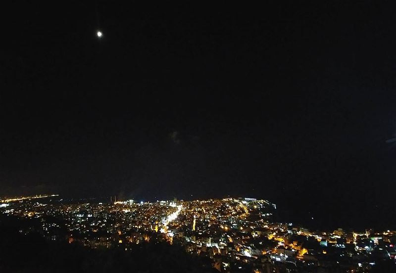 💫 I often think that the night is more alive and more richly than the... (Jounieh Libanon)