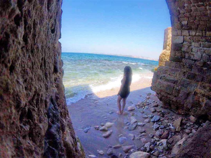 Monday blues 💙 takemeback beautifuldestinations lebanon --------------- (Tyre, Lebanon)