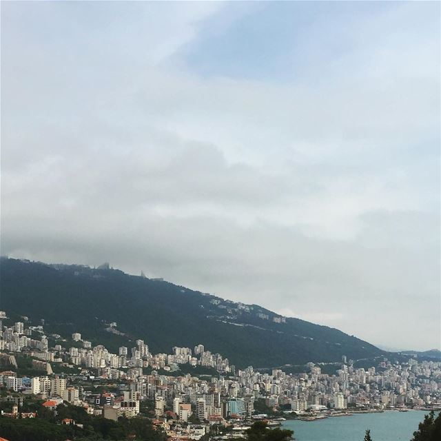 Wouldn't say no to this view being part my daily... (Jounieh, Liban)