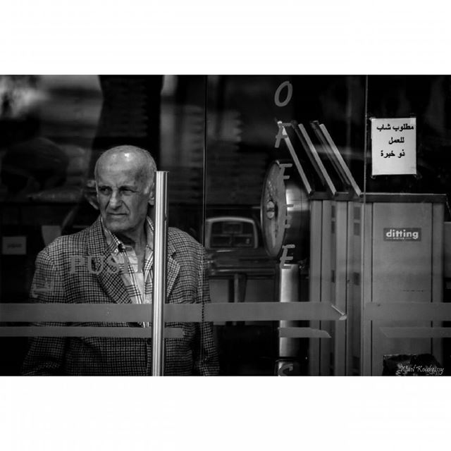bnw  man  market  coffeeshop  blackandwhite  street  glass  door ...