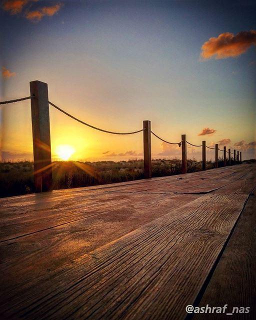 كنا نتلاقى من عشيةونقعد على الجسر العتيق...وتنزل على السهل الضبابةتمحي ا (Tyre, Lebanon)