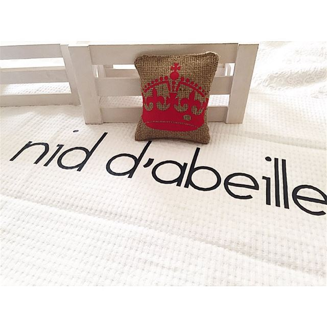 The KING of our castle is born ⚜ Write it on fabric by nid d'abeille ...