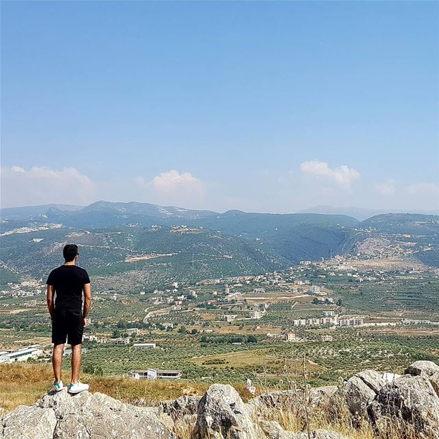 MY BIGGEST PROBLEM IS I notice everything 🗻 livelovebeirut ... (Amioûn, Liban-Nord, Lebanon)