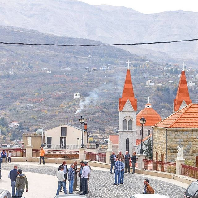 Sunday morning, church bells ringing, crowds gathering and the smell of... (Bcharré, Liban-Nord, Lebanon)