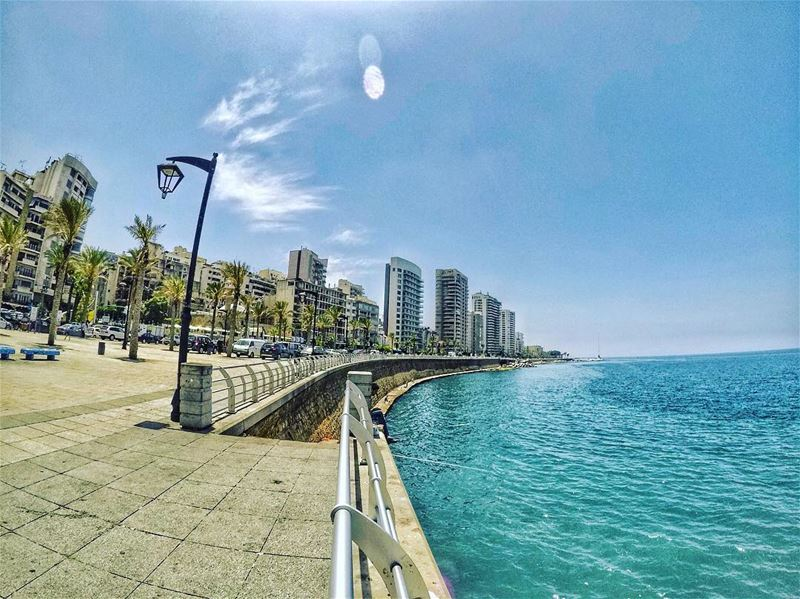 Morning Walk 🚶🏻in  Beirut 🇱🇧☀️..... gopro  yallagopro  goprome ... (Beirut, Lebanon)